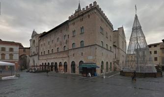 PiazzaRepubliccoFoligno_001